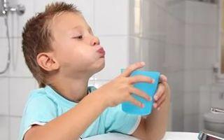 Обучение ребенка полосканию рта и горла